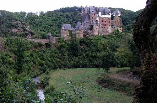 El hermoso y casi milenario Castillo Eltz en Alemania