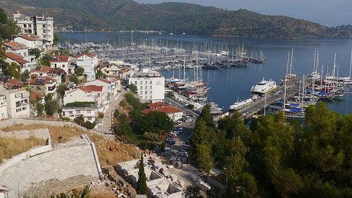 La ciudad de Fethiye, uno de los hermosos destinos de Turquía
