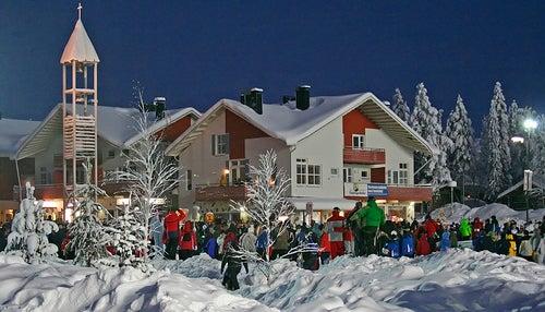 Descubre lo divertido de la nieve en Levi, Finlandia
