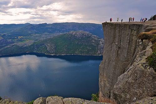 Que corra la adrenalina en los hermosos acantilados de Noruega