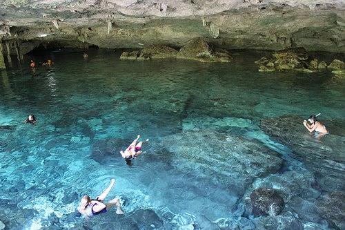 Cenote Dos Ojos 5