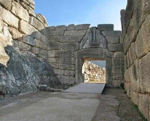 Descubre las tres Puertas de los Leones más monumentales del mundo