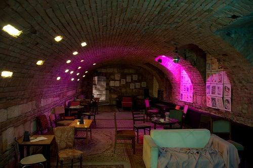 Descubre la fascinante noche húngara con sus Ruin Pubs