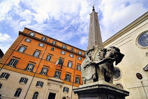 El Obelisco della Minerva en Roma, toda una obra milenaria del arte y de la sabiduría