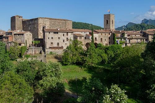 Santa Pau en España, una localidad medieval con un paisaje único