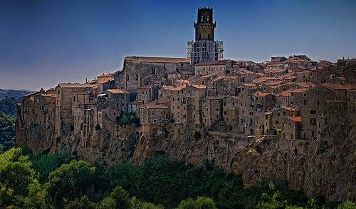 El encanto medieval de Pitigliano en Italia