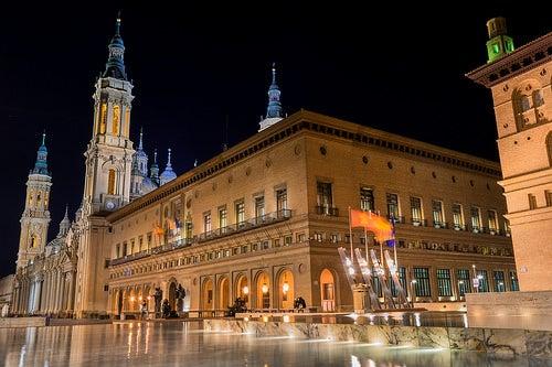 Descubre la plaza del Pilar en Zaragoza, una de las más grandes de Europa