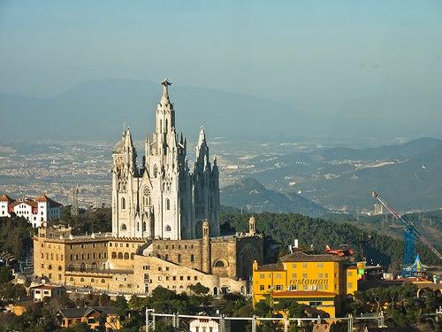 El Templo Expiatorio del Sagrado Corazón, una obra colosal en el cielo de Barcelona