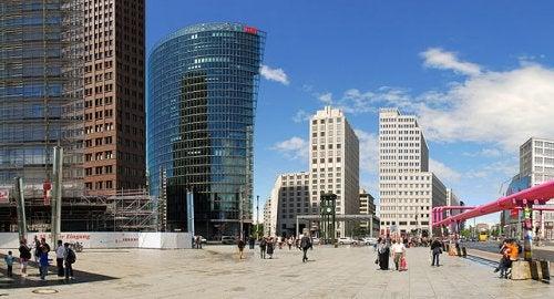 Un recorrido por una de las plazas más deslumbrantes de Berlín, la Potsdamer Platz