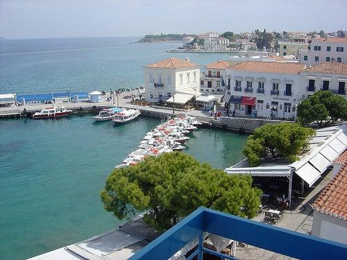 Recorriendo una isla paradisiaca de Grecia, Spetses
