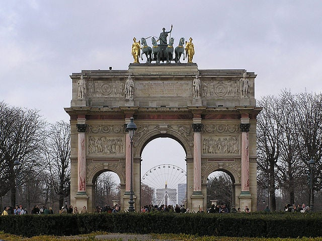 arco de triunfo del carrusel 4