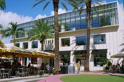 Deléitate con 3 de los mejores centros comerciales de Miami