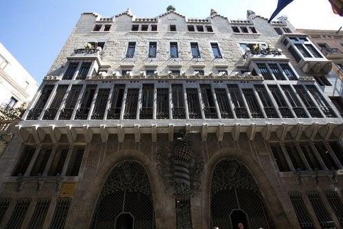 El Palacio Güell de Barcelona, una obra de arte del genial Gaudí