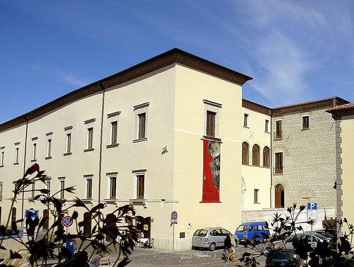 El Palacio Loffredo de Potenza en Italia y su valioso Museo Arqueológico Nacional