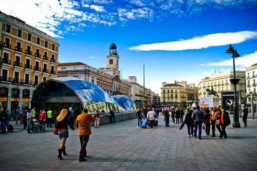 La Puerta del Sol, uno de los lugares más emblemáticos de Madrid