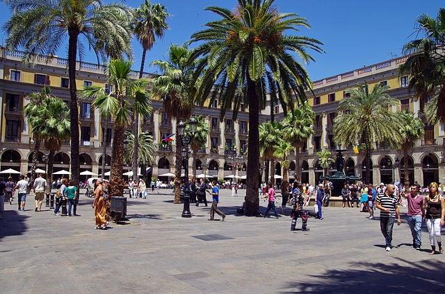 plaza-real-de-barcelona-2