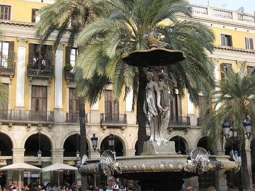 plaza-real-de-barcelona-5
