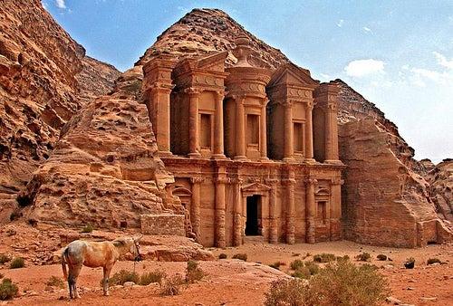 4 curiosidades de Petra, una ciudad llena de misterios
