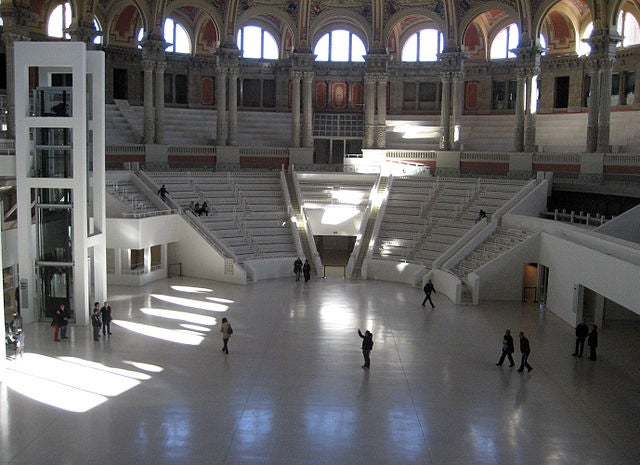 palacio-nacional-de-barcelona-7