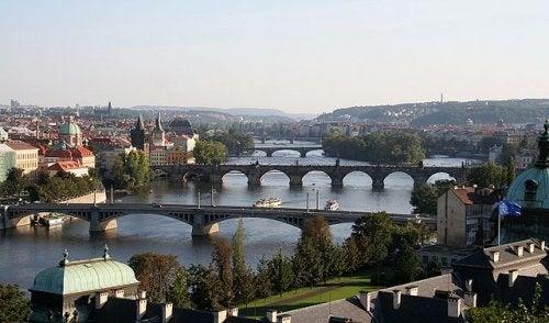 Vamos a recorrer 4 puentes de Praga