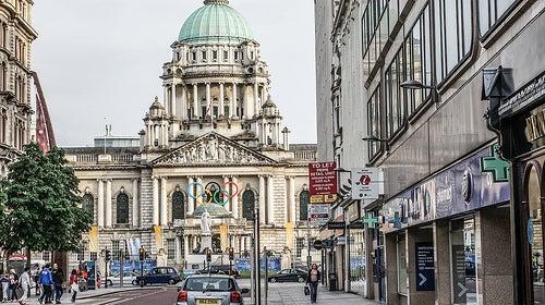 3 ciudades de Irlanda del Norte y sus íconos
