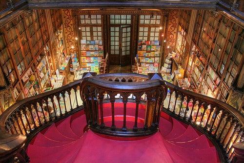 Escaleras libreria lello e irmao