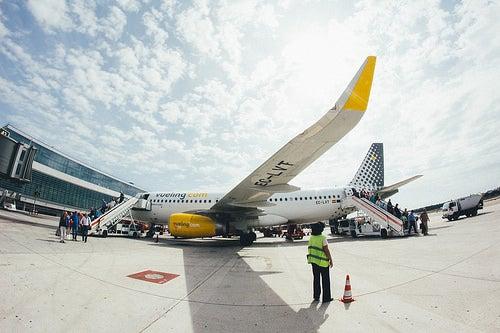 Avion en el aeropuerto