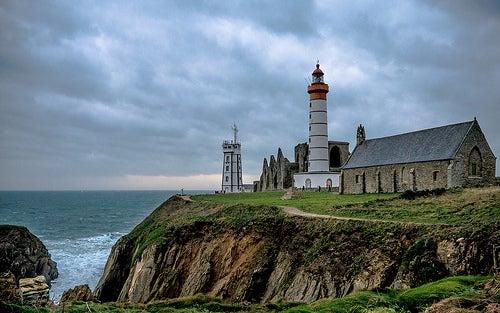 Faro de pointe de saint-mathieu