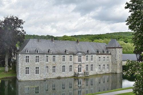 Castillo de annevoie-rouillon